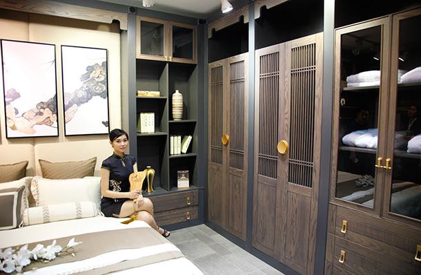 中式卧室衣柜